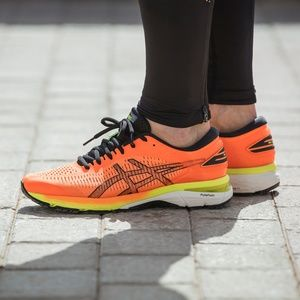 Asics Kayano 25 Running Shoes - BARELY WORN
